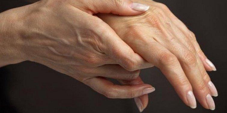 kézkefe fájdalma a kanyarban